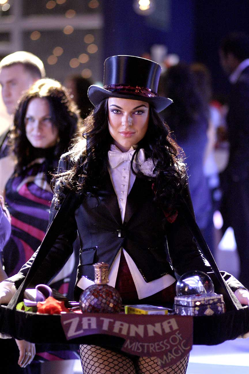 http://joeshusterawards.files.wordpress.com/2009/03/serinda-swan-as-zatanna.jpg